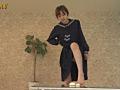 汚い足で仁王立ちで黙々と卵を踏みつぶすJKのサムネイルエロ画像No.3