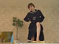 汚い足で仁王立ちで黙々と卵を踏みつぶすJKのサムネイルエロ画像No.7