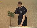 汚い足で仁王立ちで黙々と卵を踏みつぶすJKのサムネイルエロ画像No.8