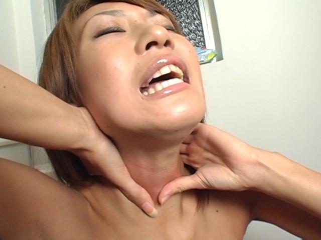 拘束首絞め好き放題と垂れる涎 の画像9