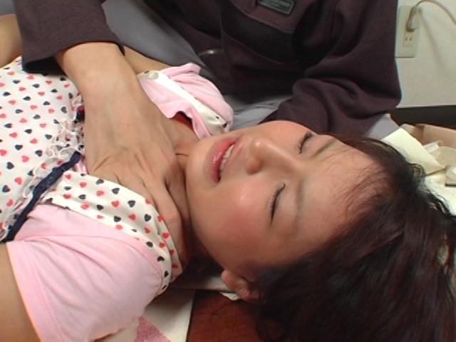 顔は童顔、弄れば淫乱なムチムチ娘のサンプル画像2