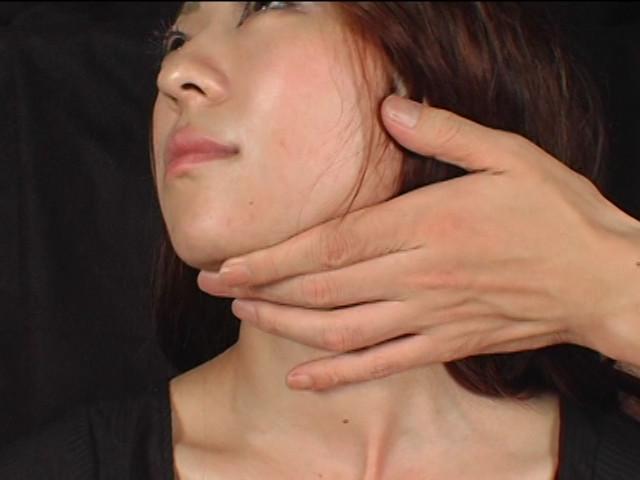 幾度も気絶と顔面の腫れ具合