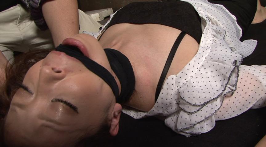 喉頭に儀式と血管の膨張と闇