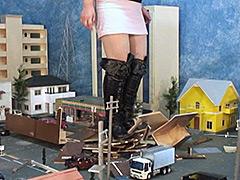 THE GIANTESS4