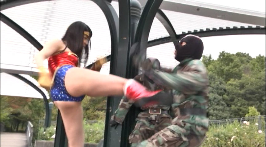 M戦闘員格闘拷問 鉄腕美女ダイナウーマン 画像 1