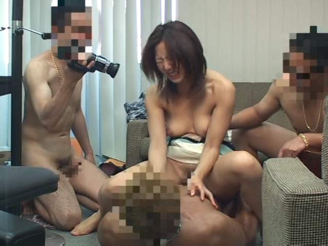 人妻のケツの穴姦撮影