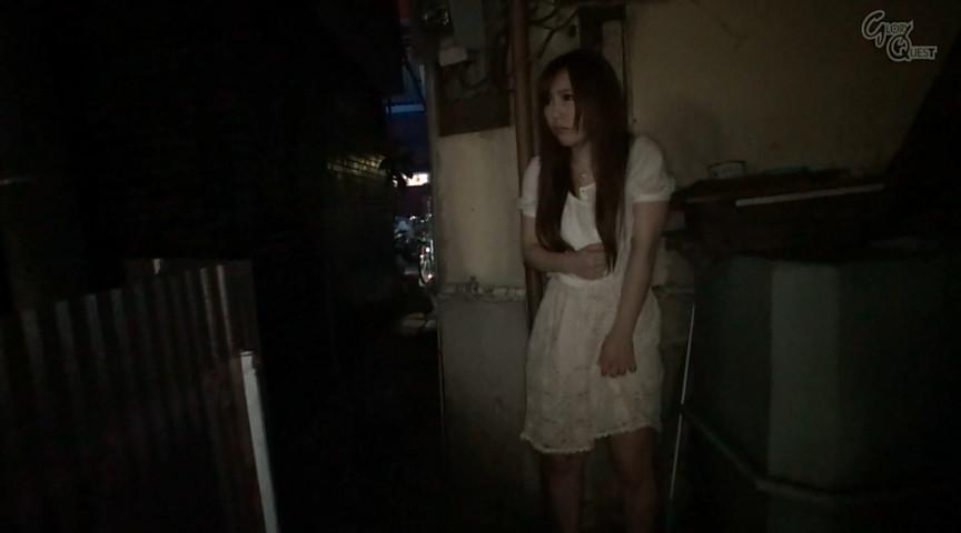 夜街露出ゲリラ素人のサンプル画像