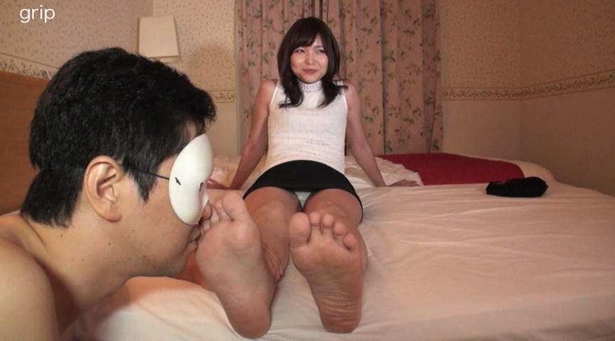 優しい淫語美痴女の足裏フェチ個撮と美脚踏みコキ責め 画像 7
