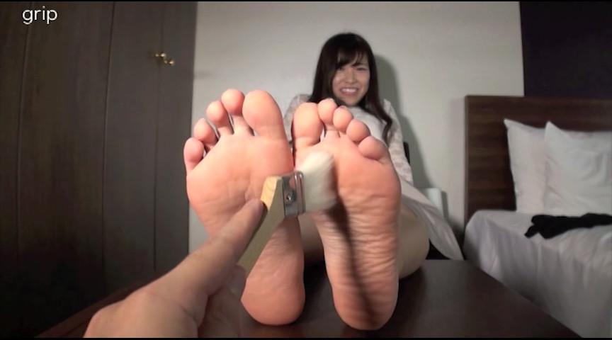 21cmミニマム足裏&足指 くすぐり接写と足コキ射精 画像 8