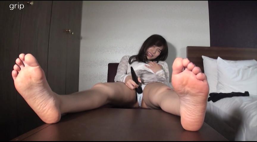 21cmミニマム足裏&足指 くすぐり接写と足コキ射精 画像 13
