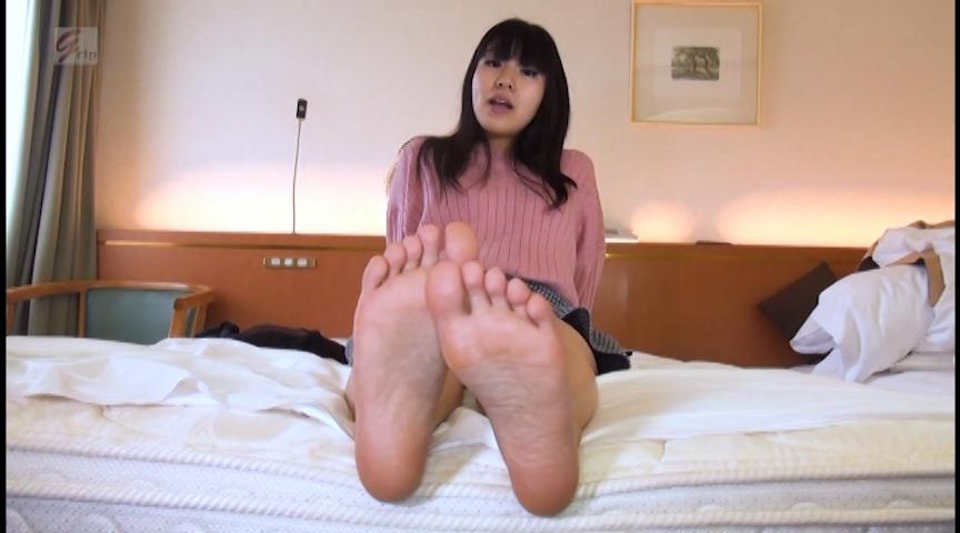 足裏&足指舐めぐりとドS踏みコキプレイランド 桐谷美羽