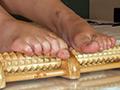 反応の良い敏感足裏と大射精に導く足コキ 篠原ゆず-1