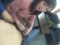 噛みつき手コキ 麗子のサムネイルエロ画像No.2