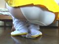 足フェチですけど何か? 踵を潰して履く女の子達のサムネイルエロ画像No.1
