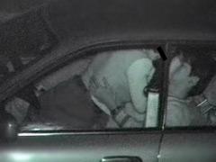 盗撮 不自然に揺れる車の中では…3