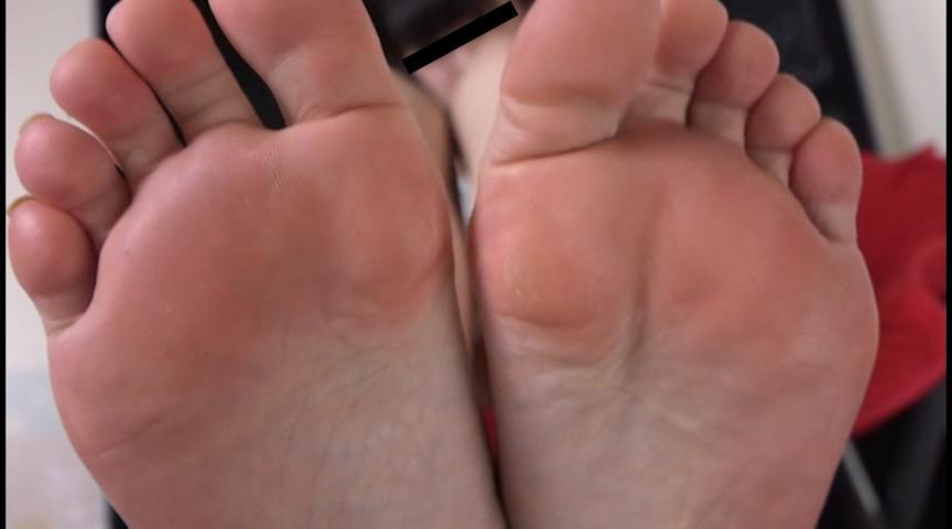 足の裏を舐めたり、触ったり、感じさせたり 画像 8