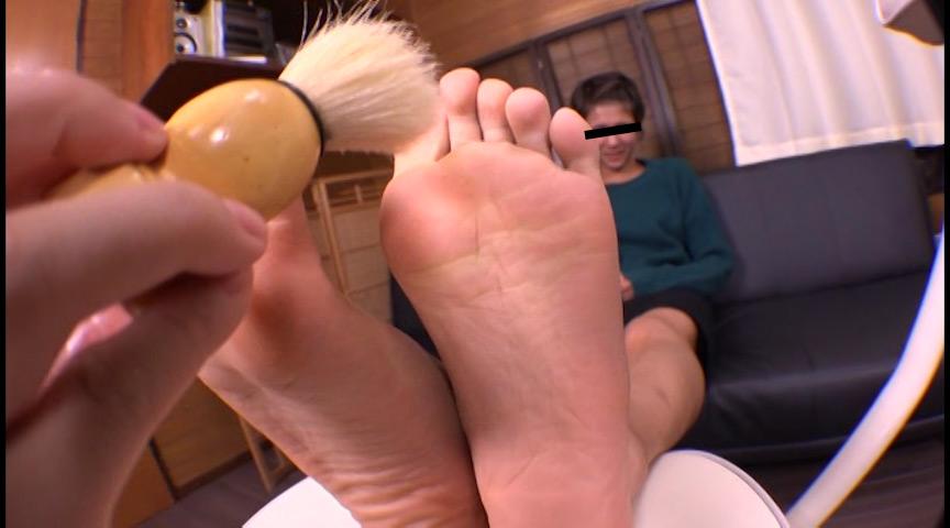 足の裏を舐めたり、触ったり、感じさせたり 画像 13