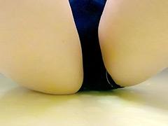 黄ばみゆく湯~水中放尿~ 排泄実験観察シリーズ24