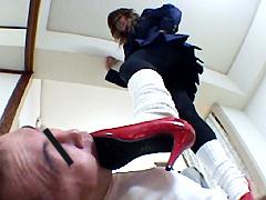 万引き犯に疑われた社長の娘がキレて警備員を脅迫し追い込む!赤ヒール編