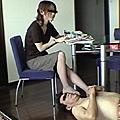 24歳小児科看護婦 初めての足踏み舐め