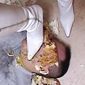 サンタ女王様の白ブーツ踏み潰し