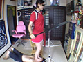 美脚テニス選手の顔面練習台