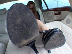 フェチ:女性専用履き潰し靴収集家22