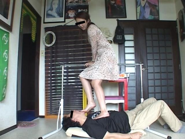 エロくてSなメンズマッサージ嬢の絶妙なナマ足責めにメロメロ の画像3