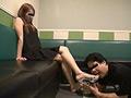 仕事後の足の汚れ舐め取り職人10