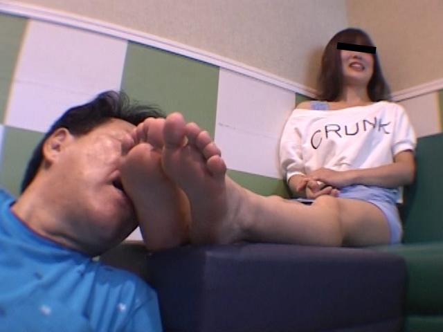 仕事後の足の汚れ舐め取り職人6 超くすぐったがりな調理師専門学生 の画像8