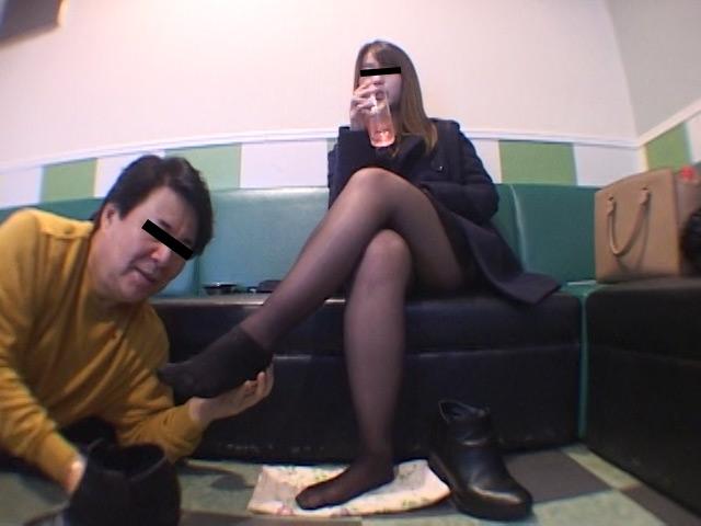 臭いパンスト&ナマ足舐め専門職1 中敷き汚れがシミついた女子大生足 の画像2