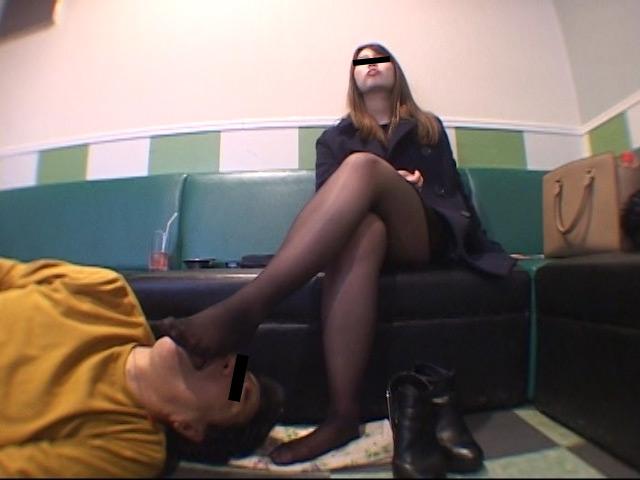臭いパンスト&ナマ足舐め専門職1 中敷き汚れがシミついた女子大生足 の画像3