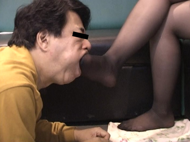 臭いパンスト&ナマ足舐め専門職1 中敷き汚れがシミついた女子大生足 の画像8