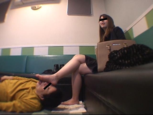 臭いパンスト&ナマ足舐め専門職1 中敷き汚れがシミついた女子大生足 の画像11