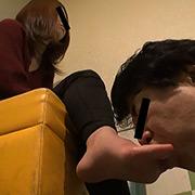 仕事後の足の汚れ舐め取り職人12