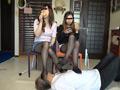 ベージュ&黒ストッキングで踏まれたり舐めさせられるのサムネイルエロ画像No.7