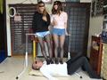 ベージュ&黒ストッキングで踏まれたり舐めさせられるのサムネイルエロ画像No.8
