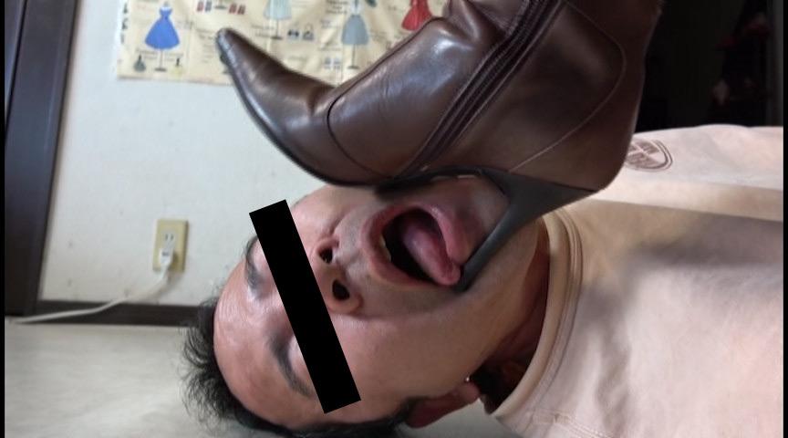 ショップ店員のニーハイブーツで傷痕をつけられる喜び 画像 3