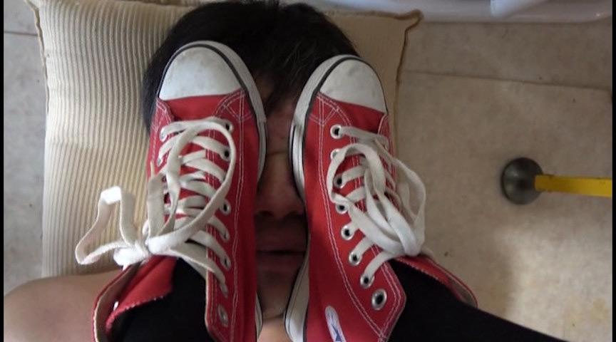 ショップ店員様の顔蹴りと全体重顔面乗りを耐えた変態男 画像 4