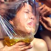 残虐!小便シャワーの洗礼