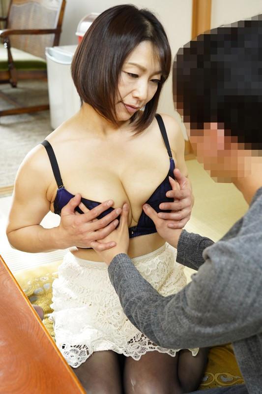 デカパイ五十路熟女時田こずえの童貞狩り 画像 1