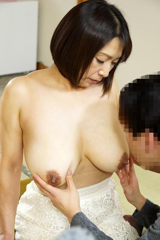 デカパイ五十路熟女時田こずえの童貞狩り 画像 2