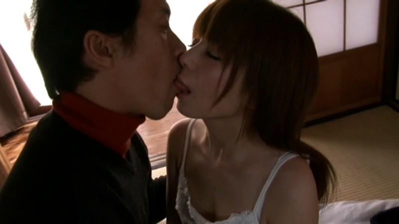 狂おしき接吻と情交 新妻と義父 栗林里莉