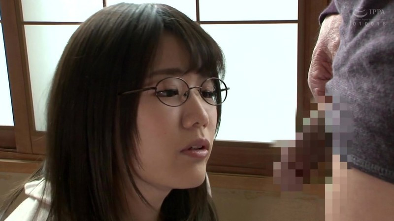 隣の地味な女子大生は隠れ爆乳の眼鏡腐女子 佐知子 画像 1