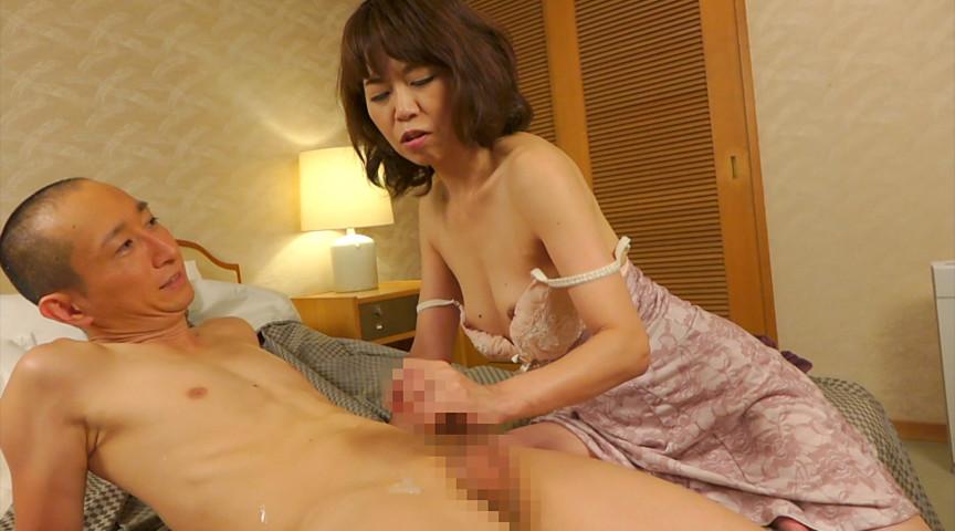 熟女が恥らうセンズリ鑑賞11 画像 2