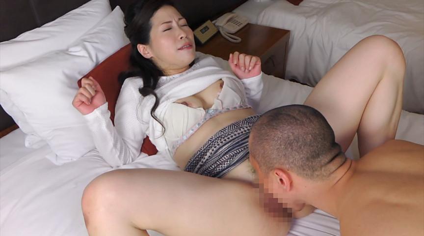 熟女が恥らうセンズリ鑑賞11 画像 8