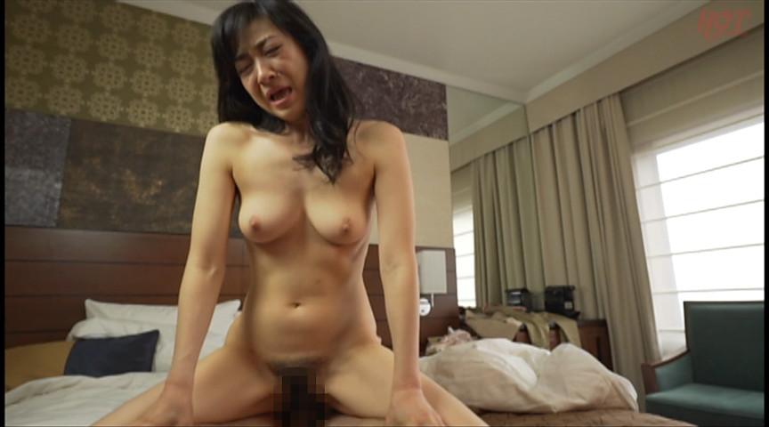実在する無垢な熟女の恥じらいEXPRESS13 画像 11
