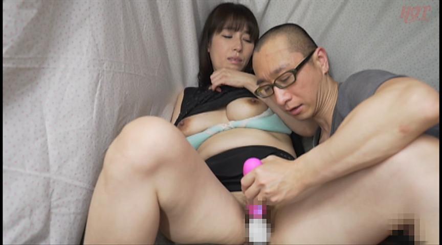 実在する無垢な熟女の恥じらいEXPRESS13 画像 13