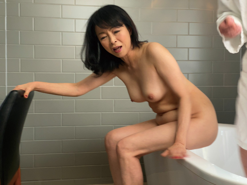 IdolLAB   hot-1752 京都の婦人59歳にしてアナルデビュー! 藍川京子