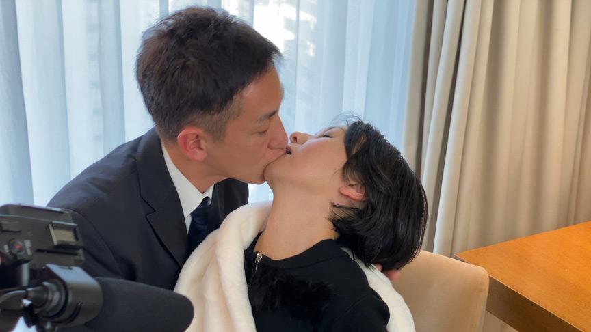 IdolLAB   hot-1753 美しき婦人~高額ギャラナンパで姦通~